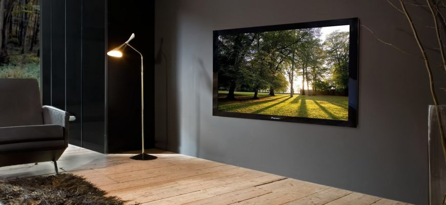 вешаем телевизор на стену